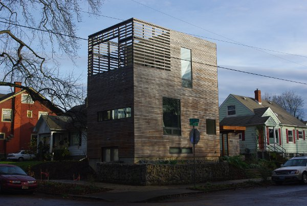 Energy Efficient Home Design: Harpoon House
