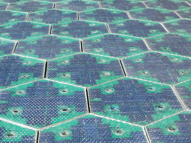 Solar Powered Road by Solar Roadways